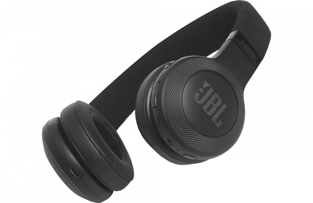 jbl bluetooth on ear headphones black in pakistan. Black Bedroom Furniture Sets. Home Design Ideas