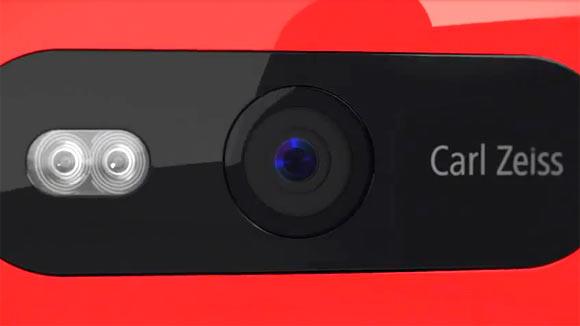 13sld-nokia-lumia-820-10.jpg
