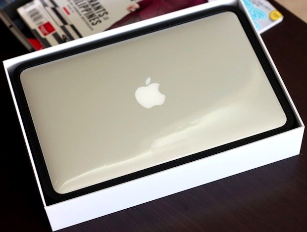 2013-macbook-air-unboxed.jpg
