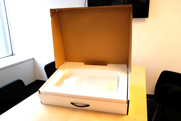 306555-imac-box-opening.jpg