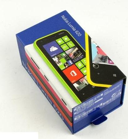 32-nokia-lumia-620-unboxing-02.jpg