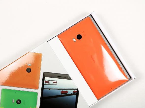 51-nokia-lumia-930-unboxing-04.jpg