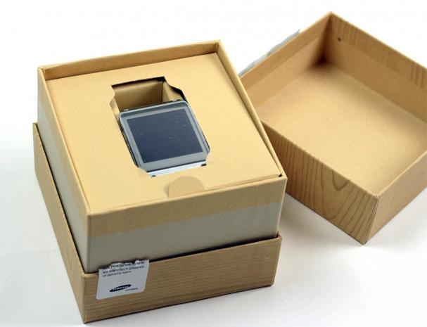 89-samsung-galaxy-gear-unboxing-2.jpg
