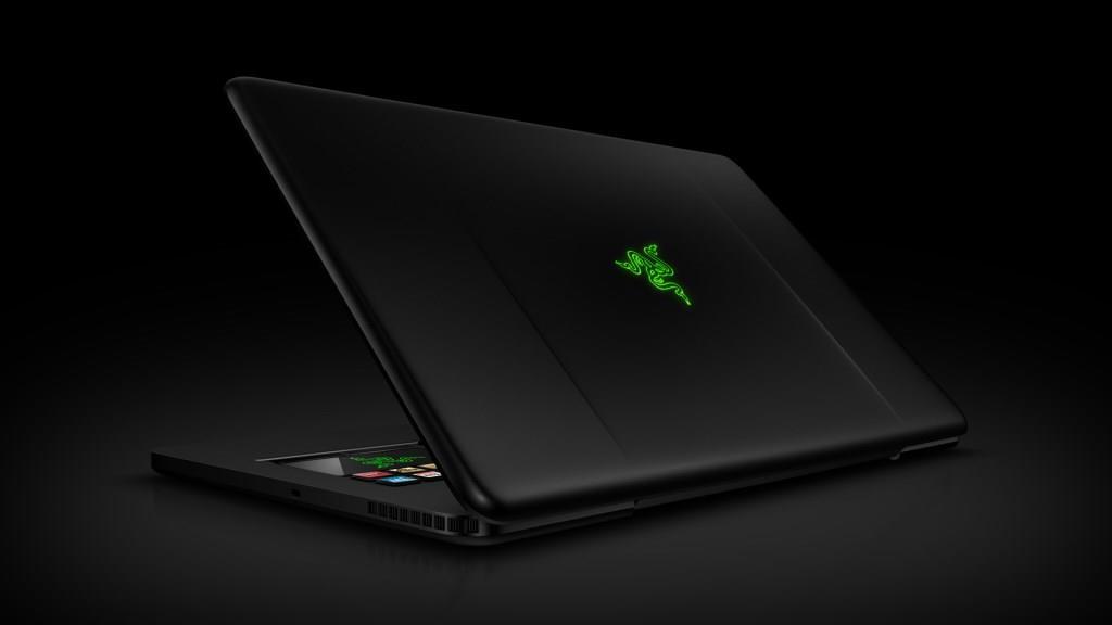csm-razer-blade-gaming-laptop-04-db5352c623.jpg