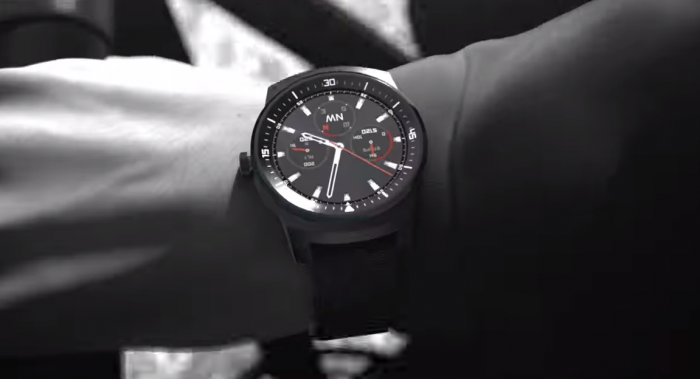 g-watch-r-video-700x379.png