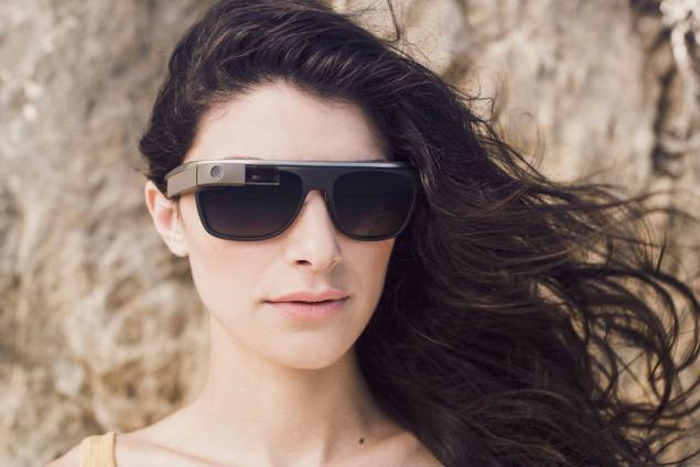 google-glass-ray-ban-oakley-luxotica.jpg