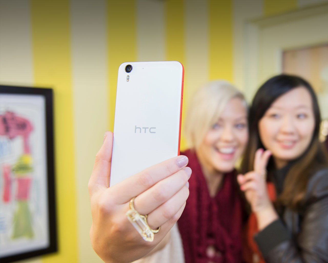 htc-desire-eye-reimagineyourselfies-us123.jpg