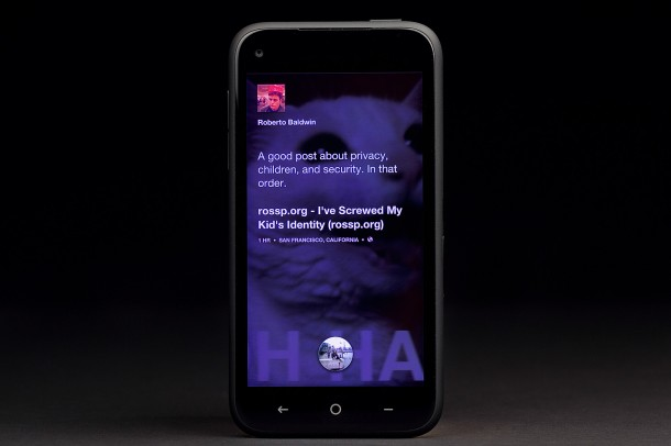 htc-first-facebook-phone-posts-610x406-c.jpg