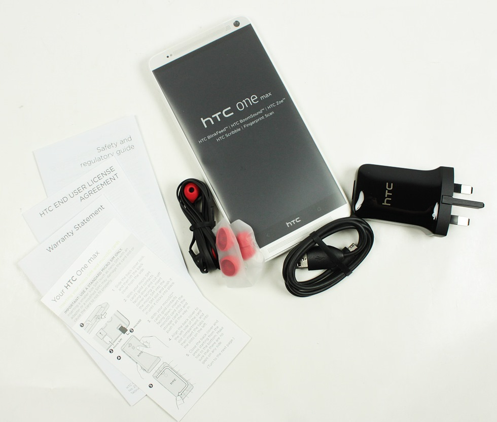 htc-one-max-unboxing-02.jpg