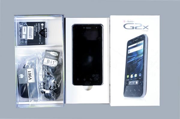 lg-g2x-unboxing-webuyuystf.jpg