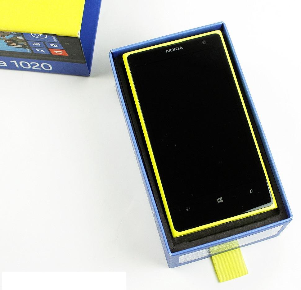 nokia-lumia-1020-unboxing-05.jpg