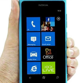 nokia-lumia-800-contacts-facebook.jpg