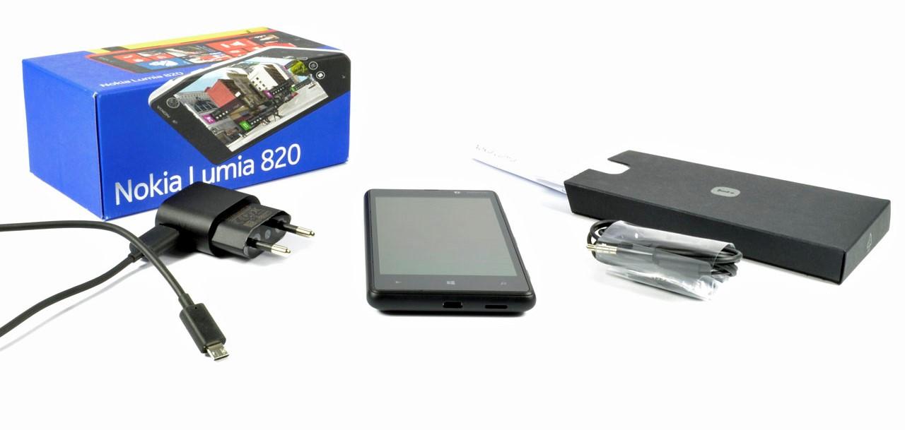 nokia-lumia-820-001-01.jpg