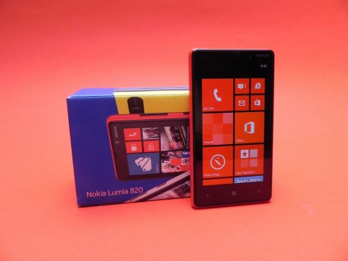 nokia-lumia-820-unboxing-500x375.jpg