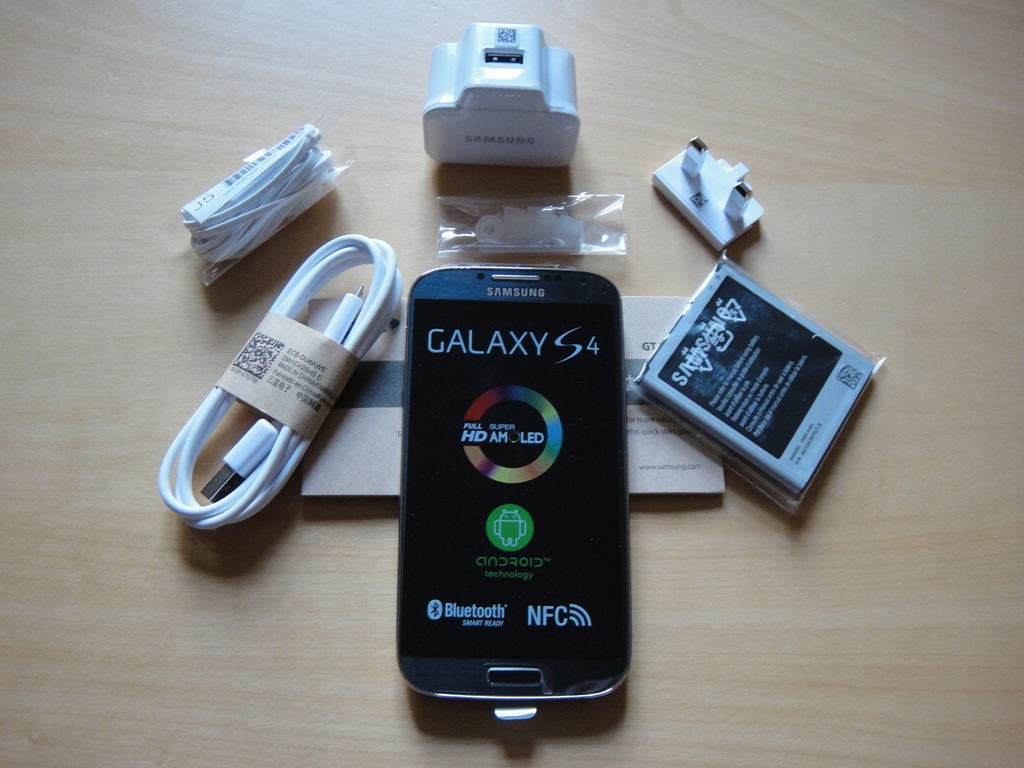 omio-samsung-galaxy-s4-hands-on-and-unboxing-pictures-5.jpg