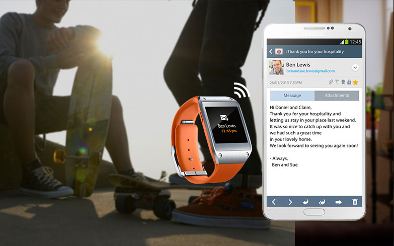 samsung-galaxy-gear-telefonla-es-zamanli-olarak-calisir.jpg