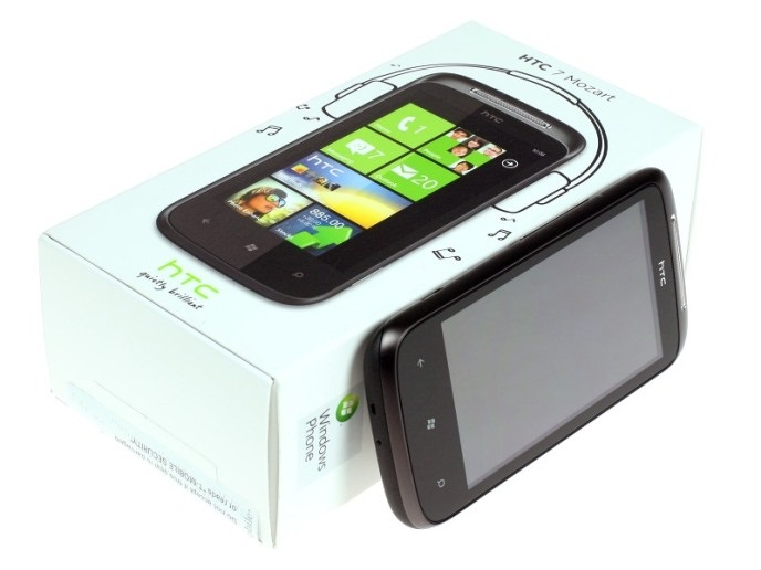the-htc-7-mozart-unboxed12.jpg